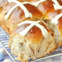 Scrumptious Easter Hot Cross Buns
